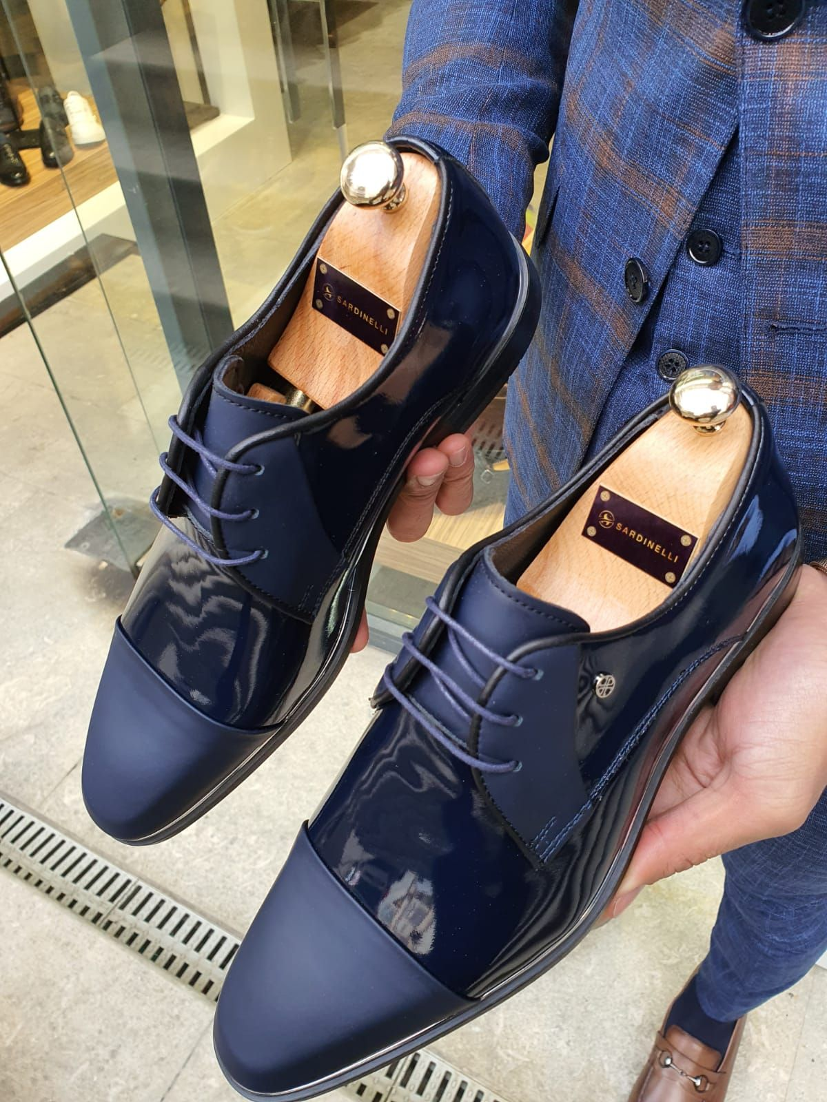 Buy Navy Blue Cap Toe Laced Blucher By Gentwith Free Shipping Leather Shoes Men Dress Shoes Men Men Shoes Formal [ 1600 x 1200 Pixel ]