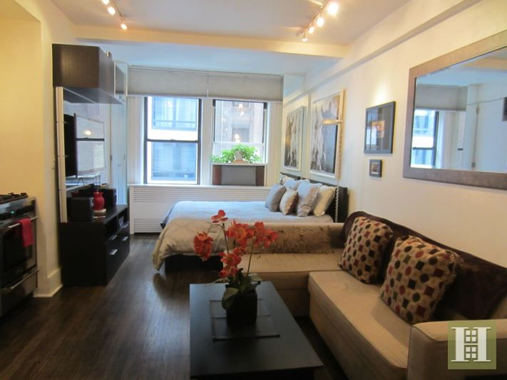 Co Op For Rent In Midtown West Manhattan For 2 300 2 Rooms Studio 1 Bath Nyc Apartment New York City Apartment Home Decor