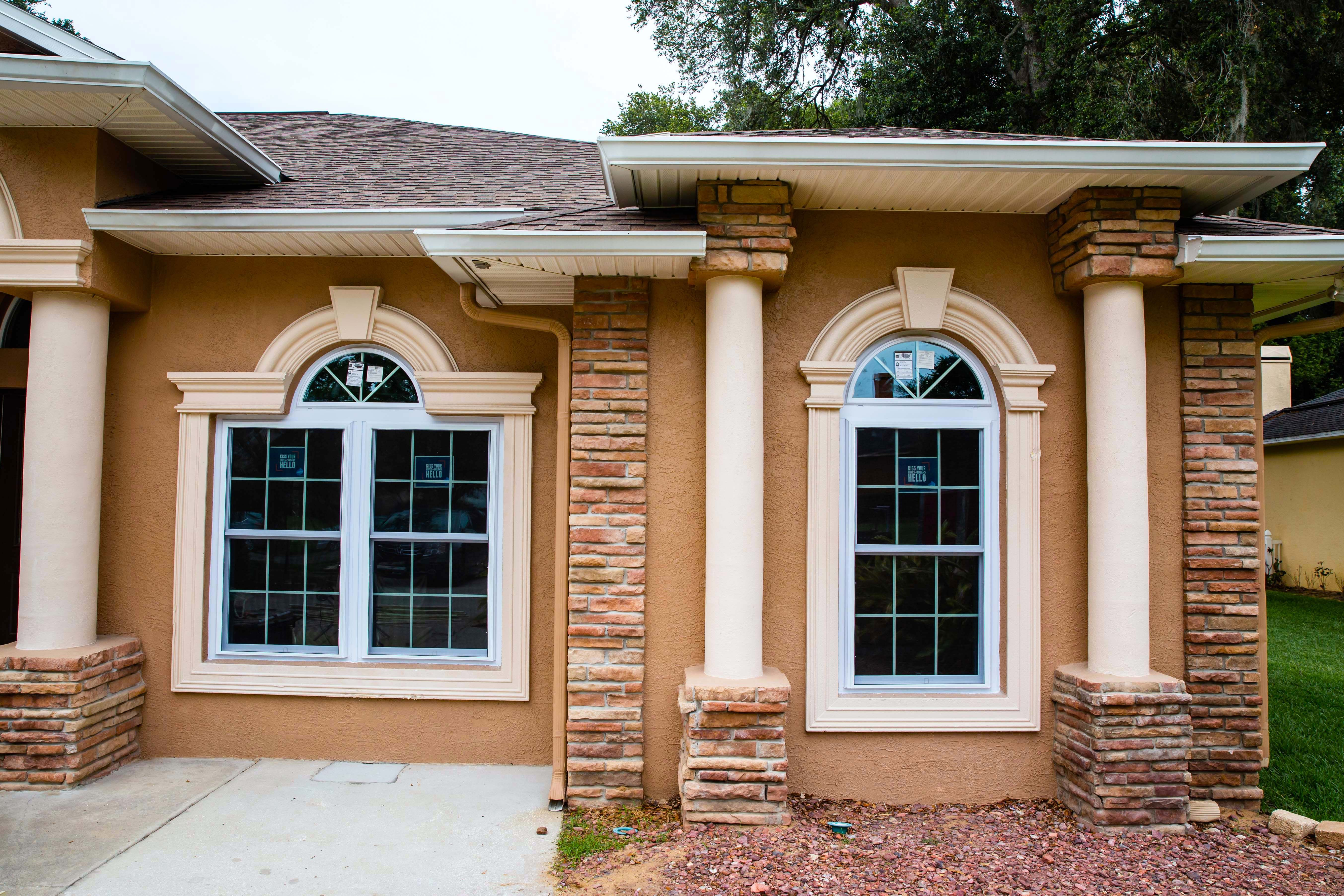 Exterior Crown Molding Around Your Beautiful Windows Can Add Value To Your Home Exterior Windows Crownmolding Hom Windows Exterior Beautiful Homes Windows