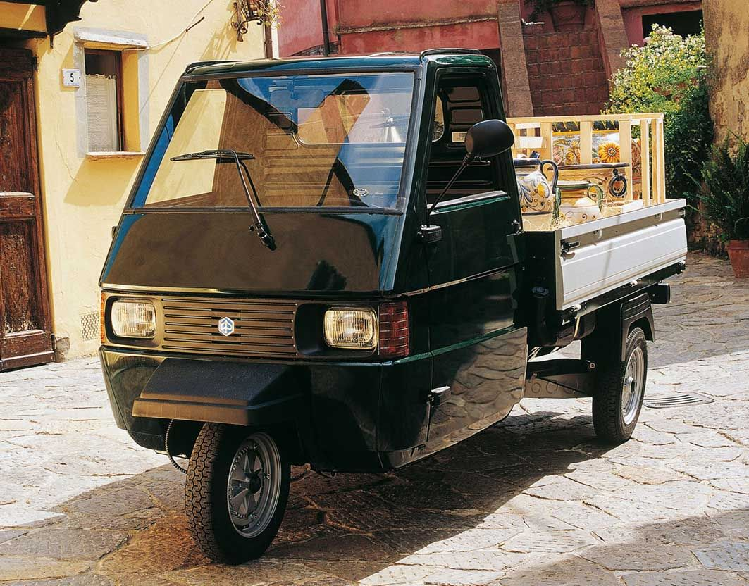 piaggio ape tm p703 carros piaggio ape vehicles. Black Bedroom Furniture Sets. Home Design Ideas
