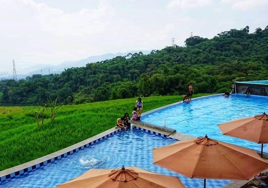 29 Pemandangan Di Bandung Berenang Dengan Pemandangan Sawah Di Villa Pasir Bungur Bandung Download 5 Hotel Di Bandung Dengan Peman Di 2020 Pemandangan Villa Kolam