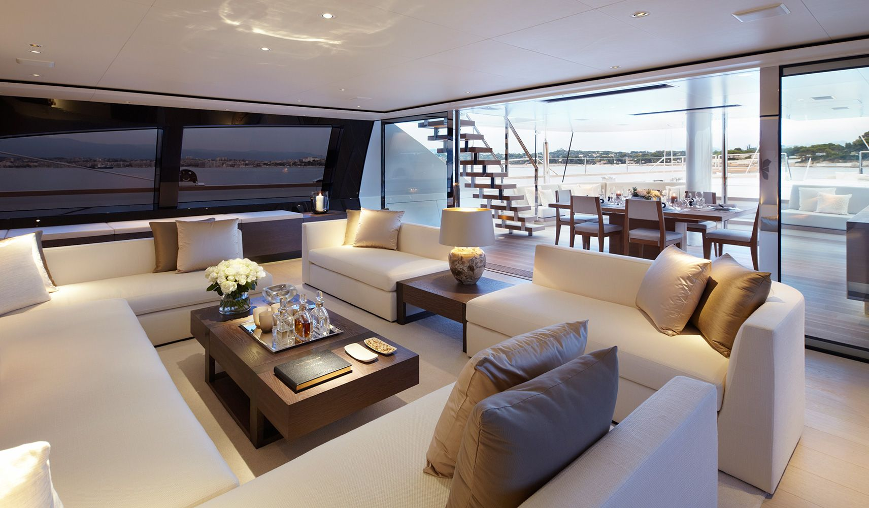 Interior design ∙ yachts ∙ twizzle sy todhunter earletodhunter earle