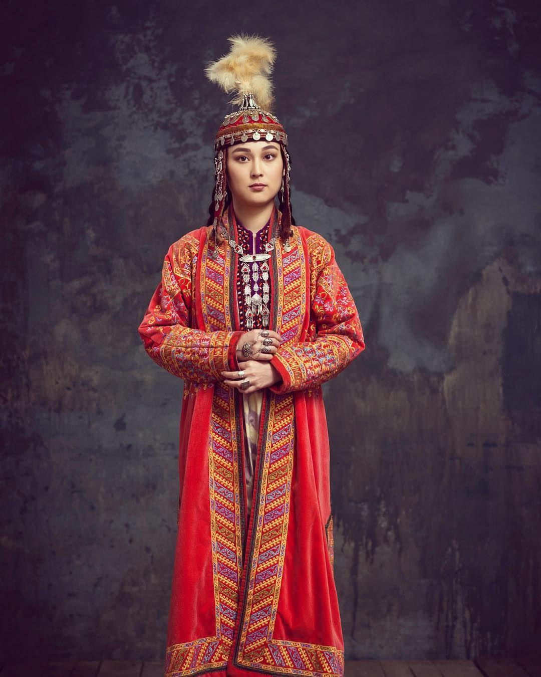Национальный костюм казахов фото