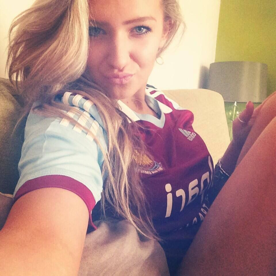 Sexy girl in liverpool kit pics girls