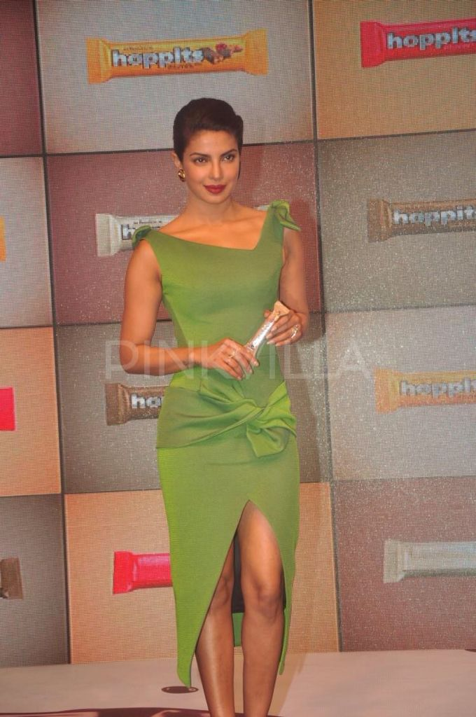 Priyanka Chopra attended the inauguration of Hoppits, a premium chocolate bar, that was launched under the Schmitten luxury chocolates umbrella. The event took place at JW Marriot, Juhu, Mumbai, on Friday. The actress has been named the brand ambassador for Hoppits. She came to the event wearing a beautiful green dress.