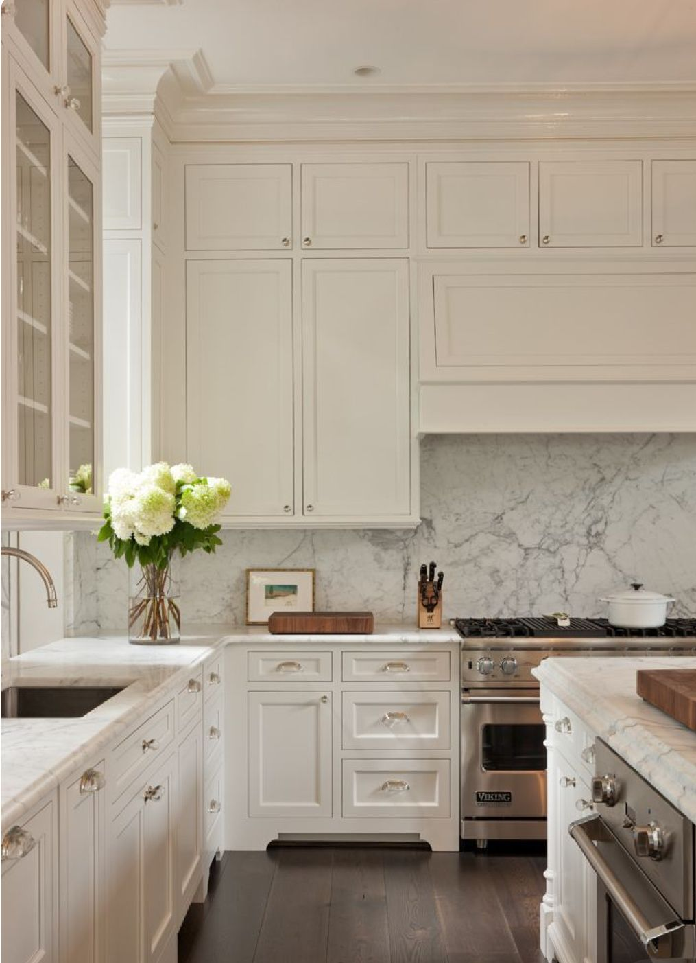 Best Neutral And Classic Kitchen Creamy White Kitchen With 400 x 300