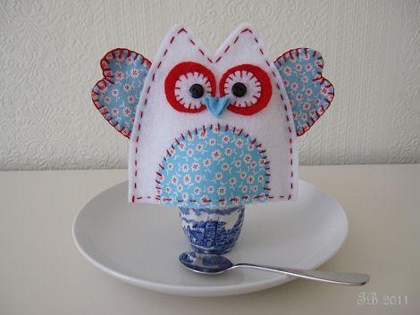 Owl egg cozy