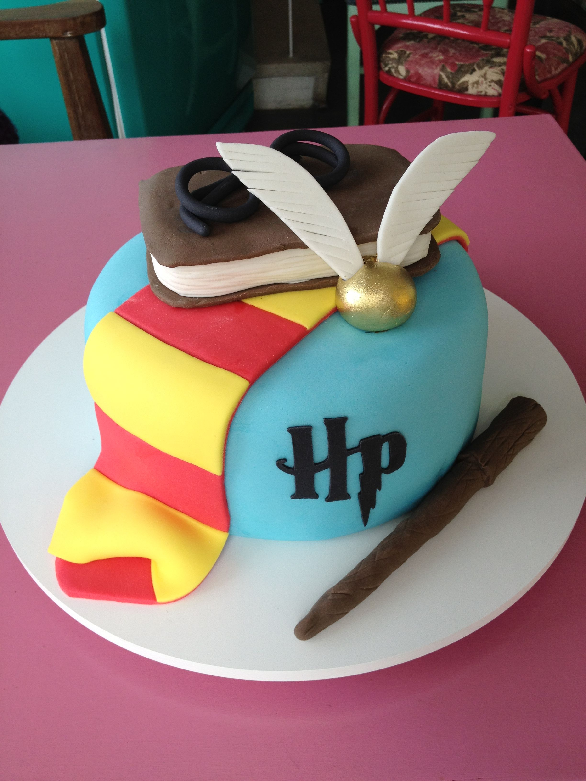 Harry Potter birthday cake thecakeisonthetable Brady Pinterest