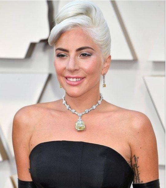 9eb05b92d Lady Gaga Wore 128-Carat Tiffany Yellow Diamond Necklace Worth $US30 ...