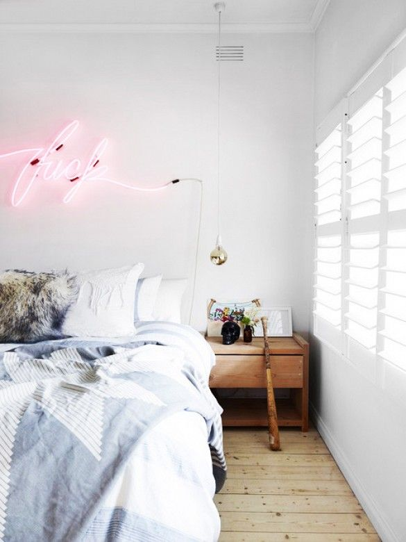 trend alert neon lights chambre deco deco chambre et n on deco. Black Bedroom Furniture Sets. Home Design Ideas