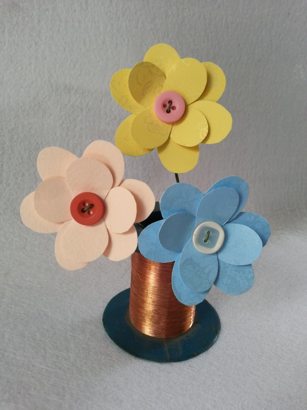 How To Make Paper Flower Diy Paper Pinterest Paper Flower