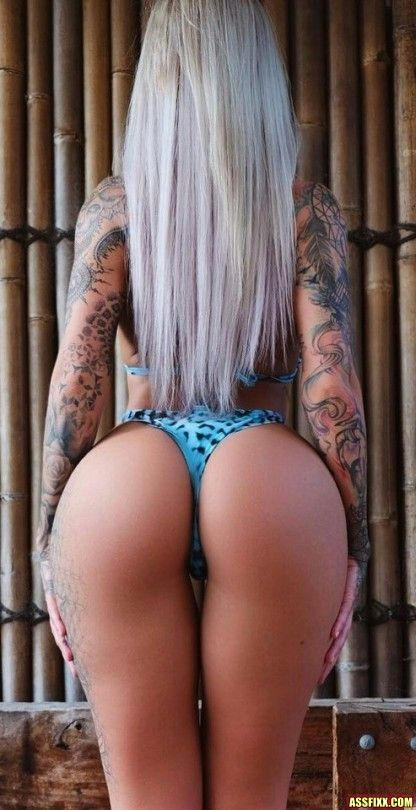 Hot blondes with nice asses