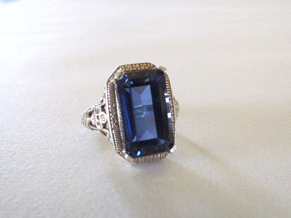 Sterling Silver Royal Blue Glass Victorian Style Filigree Ring Sz. 7 1/2