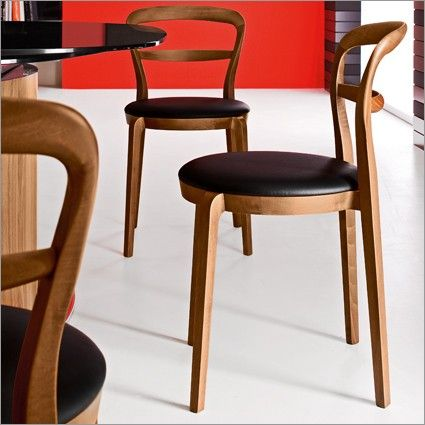 Calligaris Cloe Classic Dining Chair Black Or White Leather On Walnut Frame Sillas