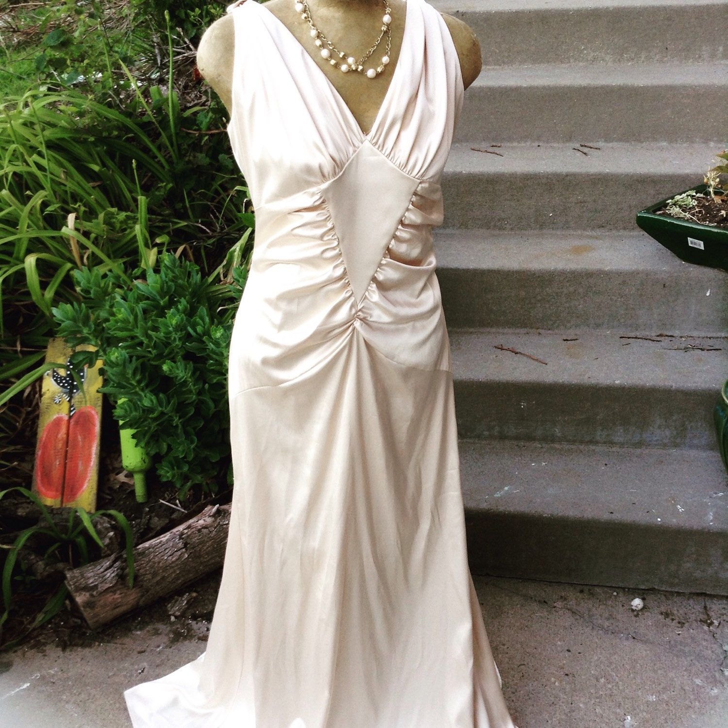Champagne and ivory wedding dress  Vintage Great Gatsby Jessica McClintock champagne ivory beaded back