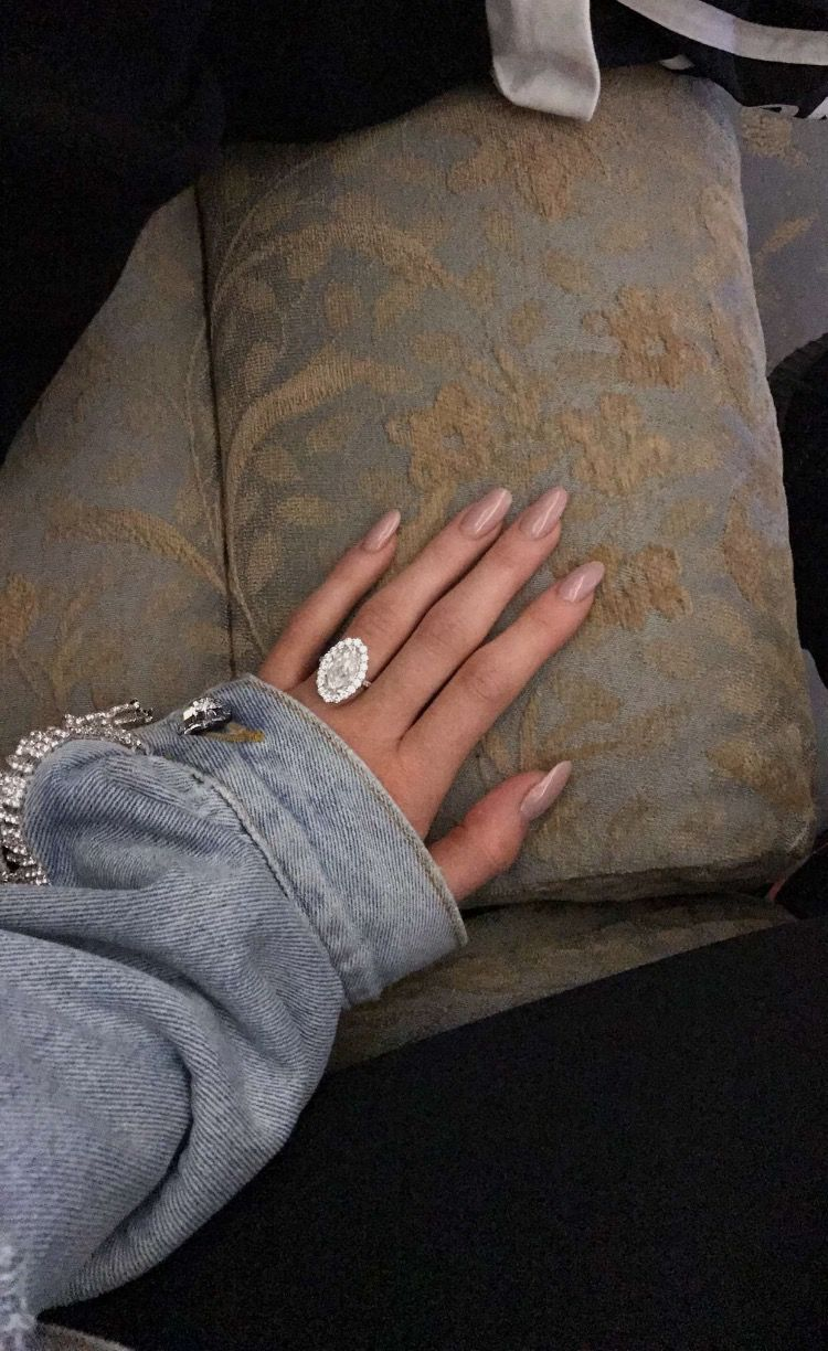 Kylie Jenners Ring Celebrity Jewelry In 2019 Kylie