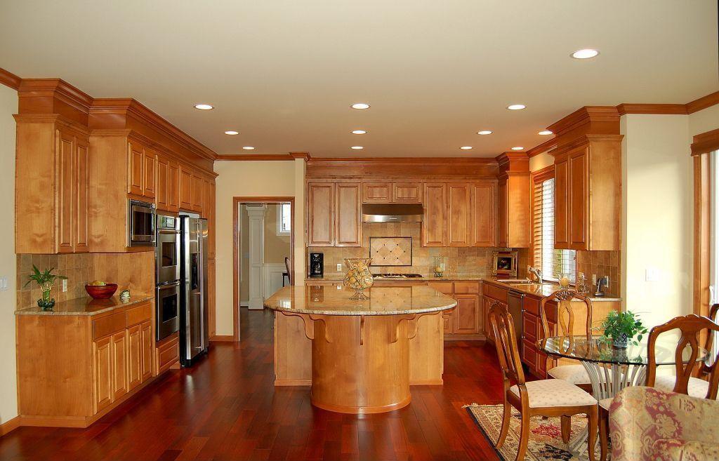 traditional kitchen with kitchen island hardwood floors breakfast rh pinterest com