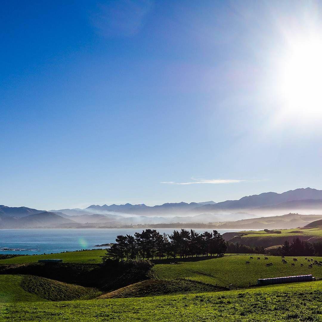 ENG I will always keep New-Zealand in my heart as one of the most beautiful place I've ever been.  FR La Nouvelle-Zélande restera toujours l'un des plus beaux lieux que j'ai vu dans ma vie...