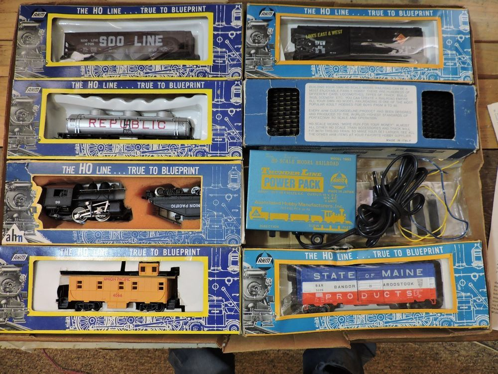 Ahm ho line true to blueprint train set 4 cars engine caboose track ahm ho line true to blueprint train set 4 cars engine caboose track power pack malvernweather Gallery
