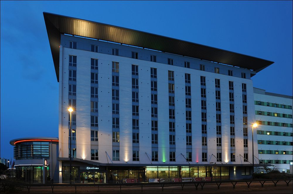 Ramada Manchester Salford Quays in Salford (Salford Quays) is minutes from Ordsall Hall and close to Old Trafford. This 4-star hotel is within close proximity of The Lowry Art and Entertainment and Manchester United Museum.  http://www.lowestroomrates.com/Salford/Ramada-Manchester-Salford-Quays.html?m=p  #RamadaManchester #Manchester
