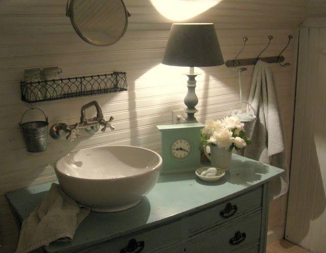 die besten 25 landhaus stil badezimmer ideen auf pinterest badezimmer zeug halbes badezimmer. Black Bedroom Furniture Sets. Home Design Ideas