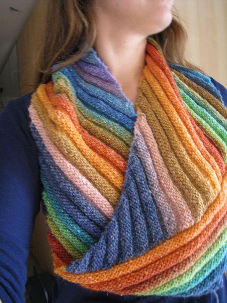 Rainbow Moebius pattern by Manuèle Ducret | Rainbows, Pattern ...