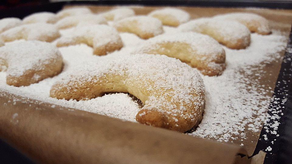 Uromas Vanillekipferl | Rezepte | Christmas sweets ...