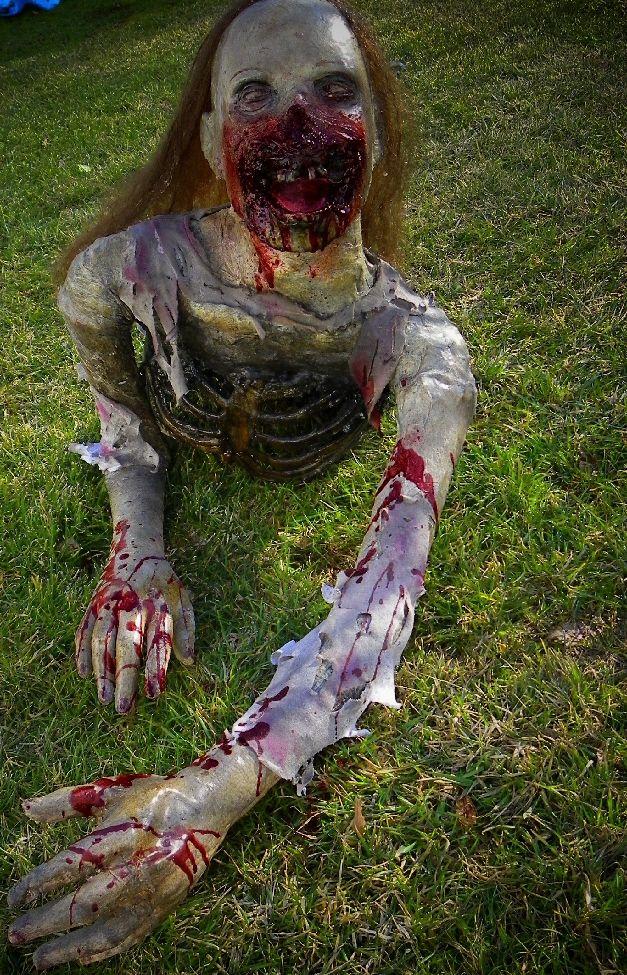 25 zombie halloween decorations ideas - Zombie Halloween Decorations