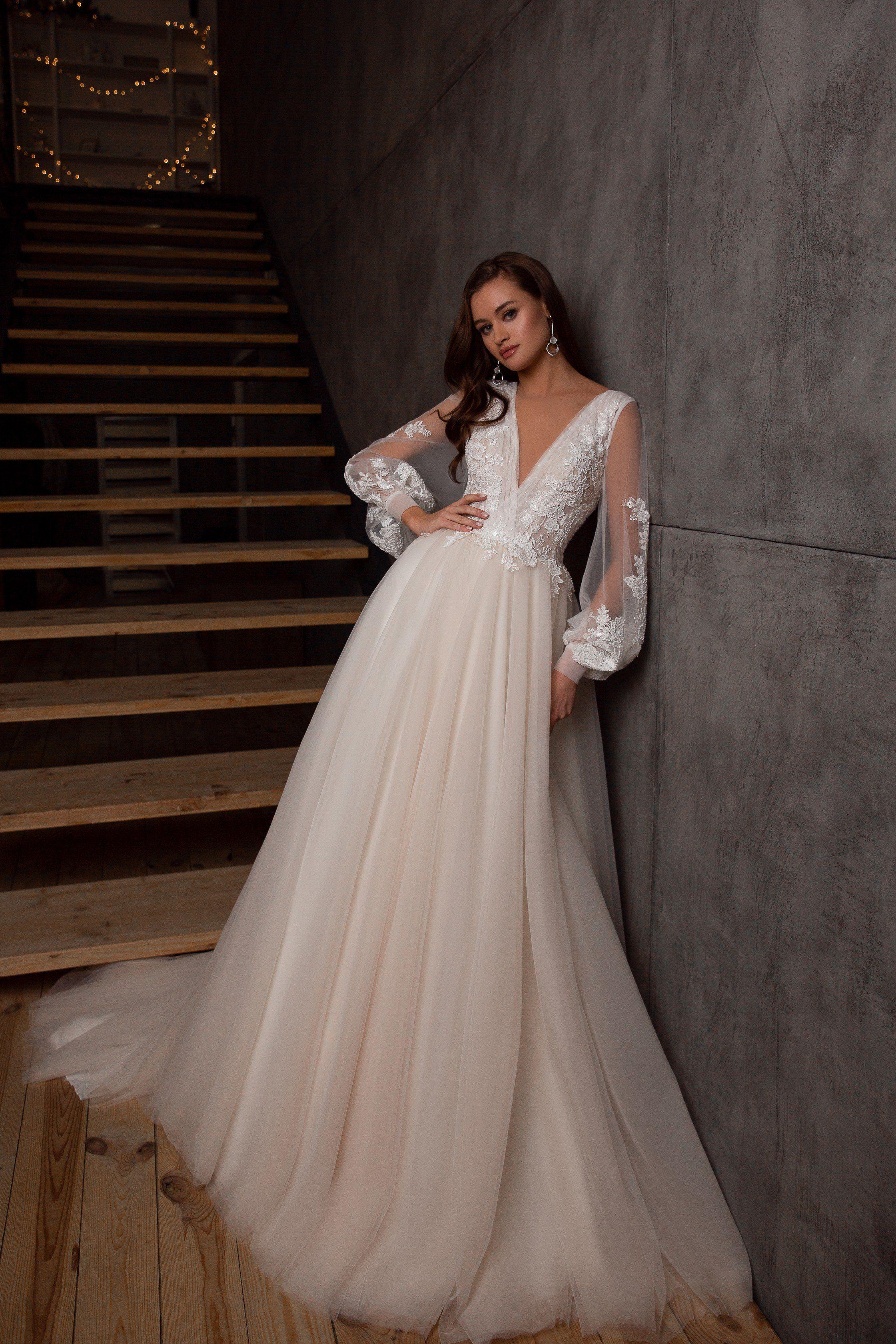 V Neckline Bishop Sleeves Sophisticated Wedding Gown Pentelei 5104 Wedding Dress Sleeves Sophisticated Wedding Gown Wedding Dresses Lace [ 3362 x 2241 Pixel ]