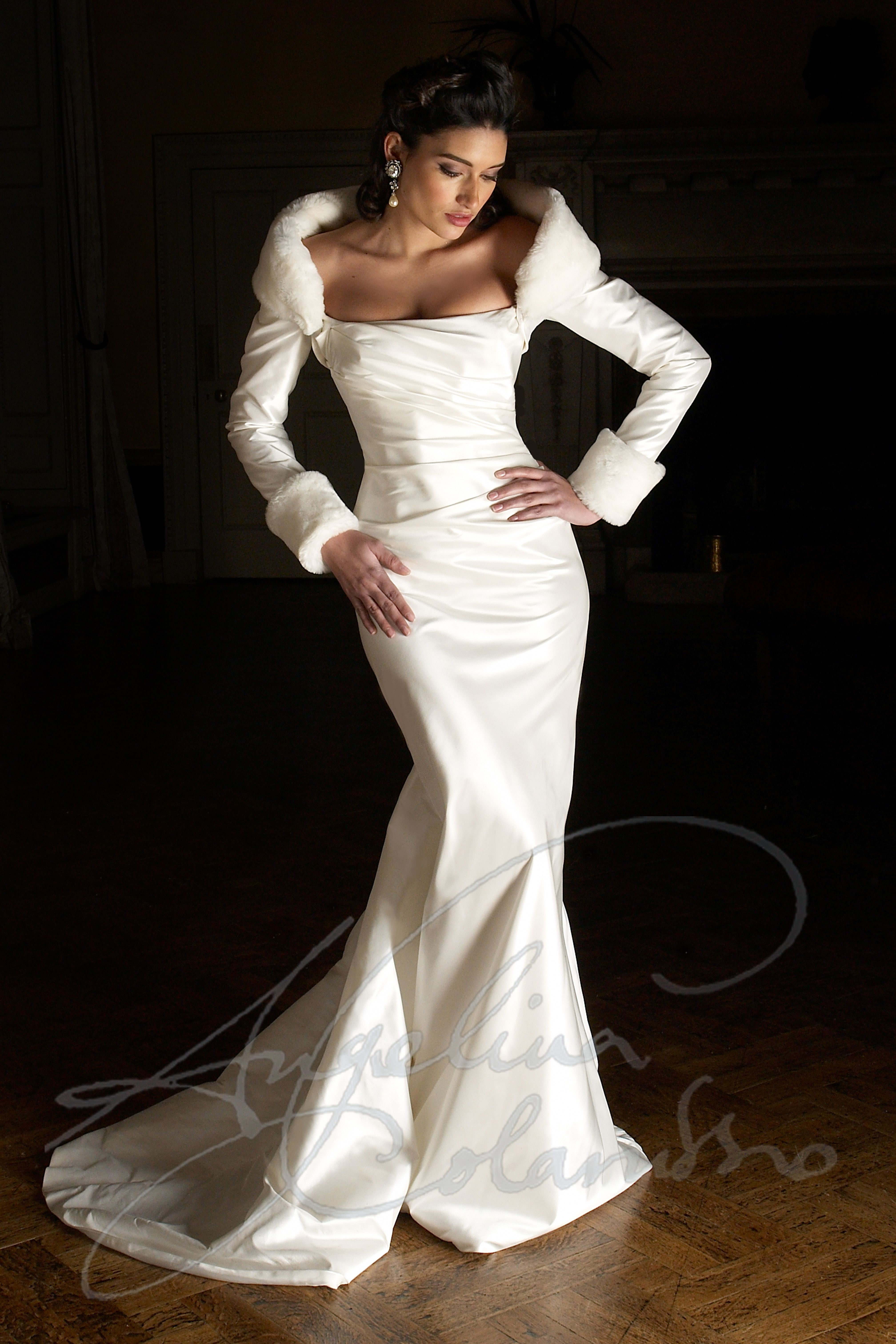 Anoushka Wedding Dress By Angelina Colarusso Winter Wedding Gowns Wedding Dresses Velvet Wedding Dress [ 6048 x 4032 Pixel ]