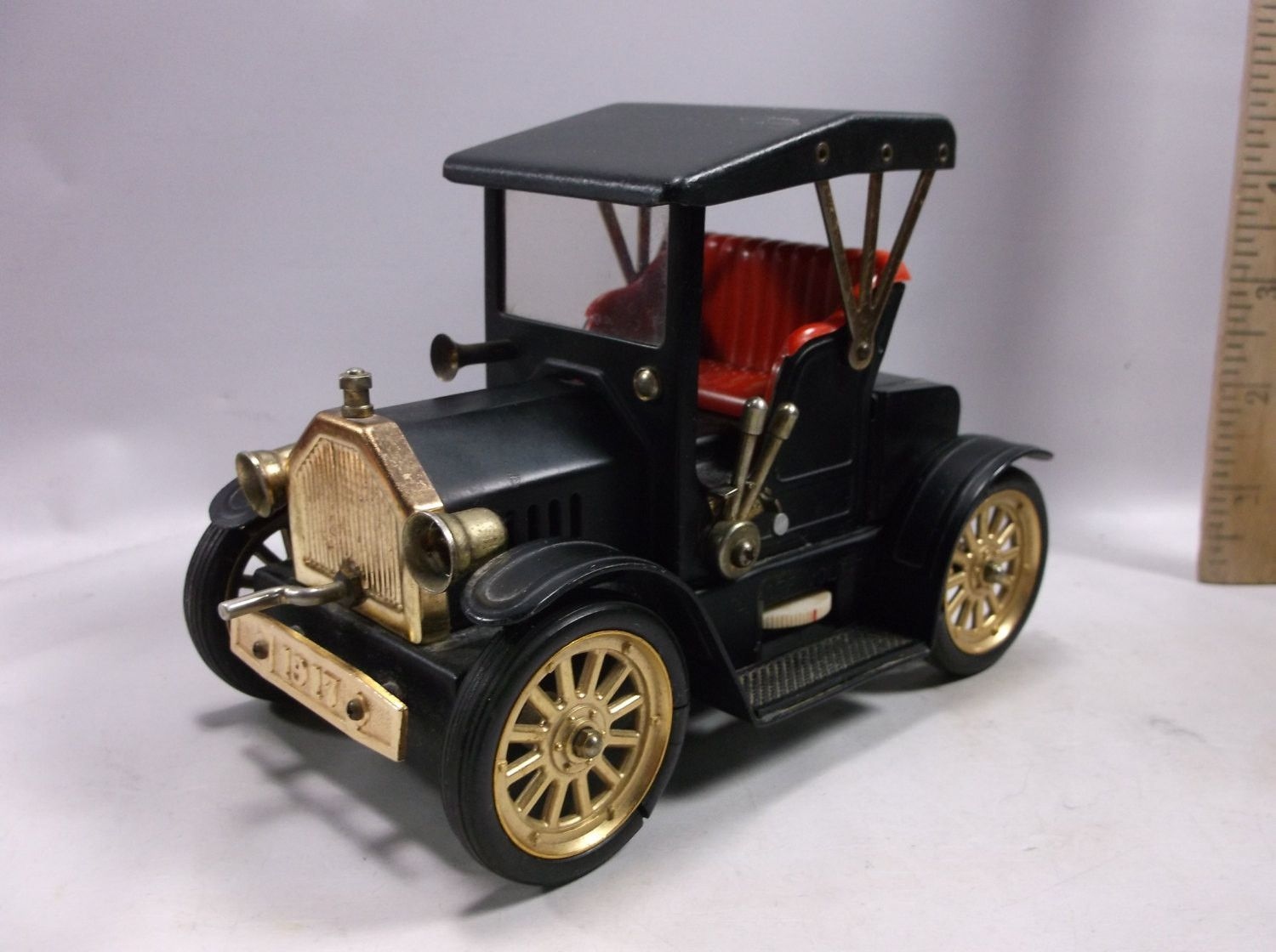 Transistor Radio Old Black Ford Model T 1917 Toy Size Car Working