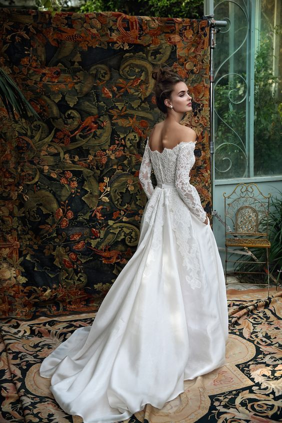 A beautiful wedding dress from the new Lihi Hod wedding dress collection,