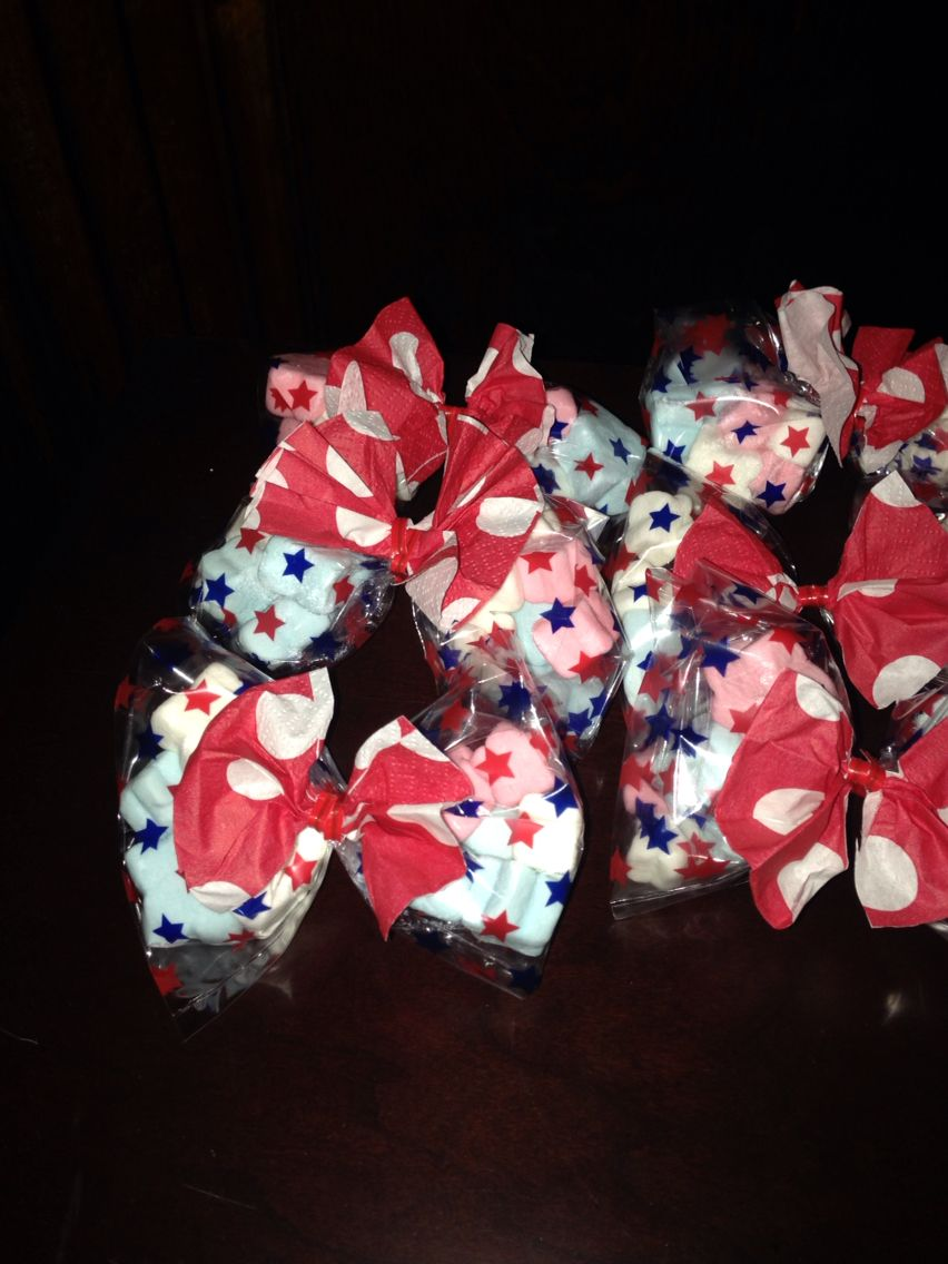 Minnie bows for party favors