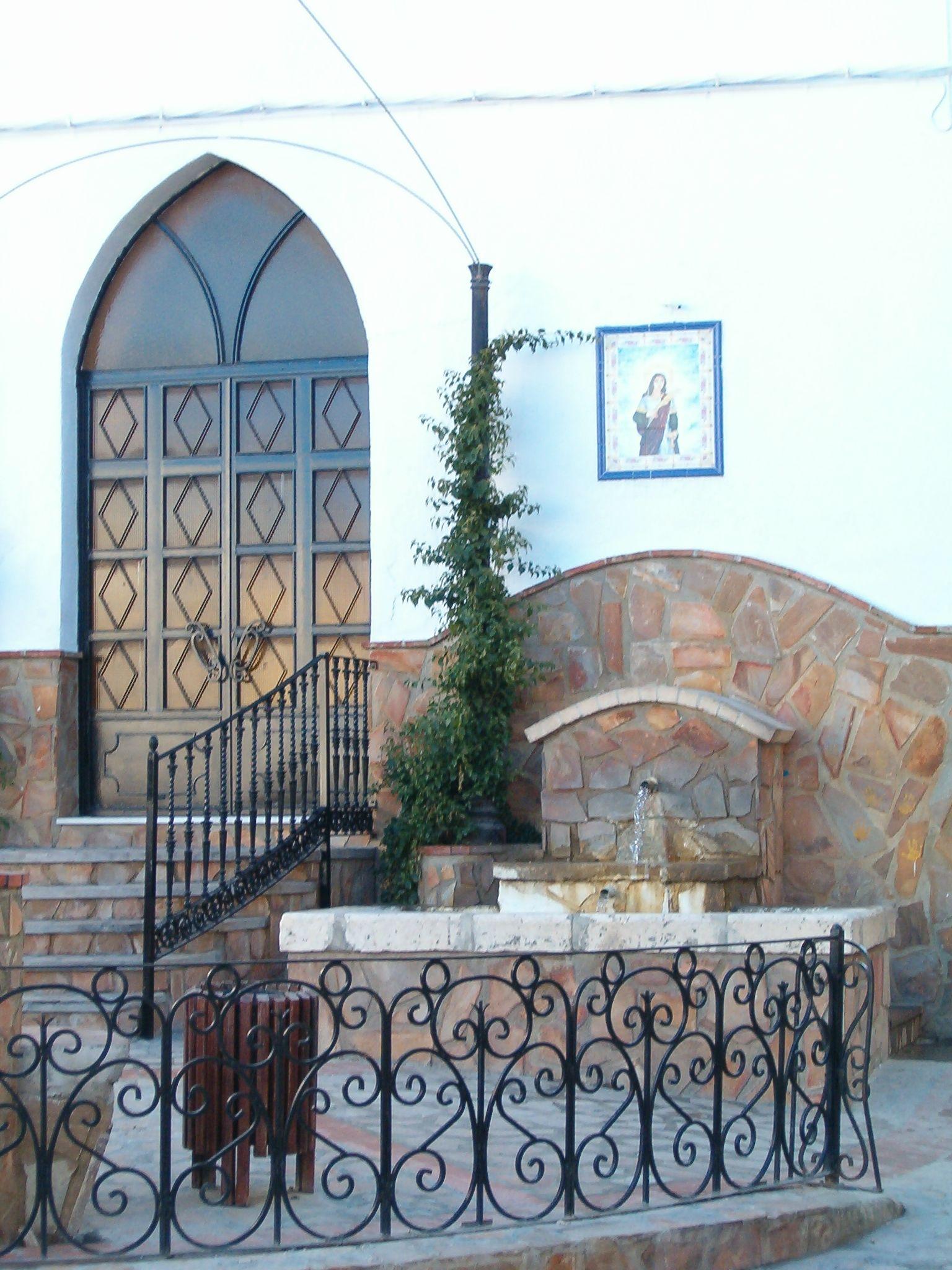 fuente de agua potable en la ermita de Santa Lucia