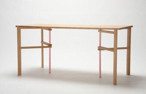 A mesa montada: simples, ela se adapta a qualquer ambiente.