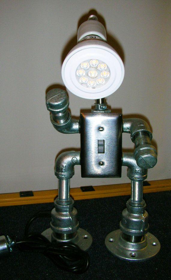 Robot Desk Light/Lamp/Led Steam Punk / Industrial Design Themed - Lamparas Caseras