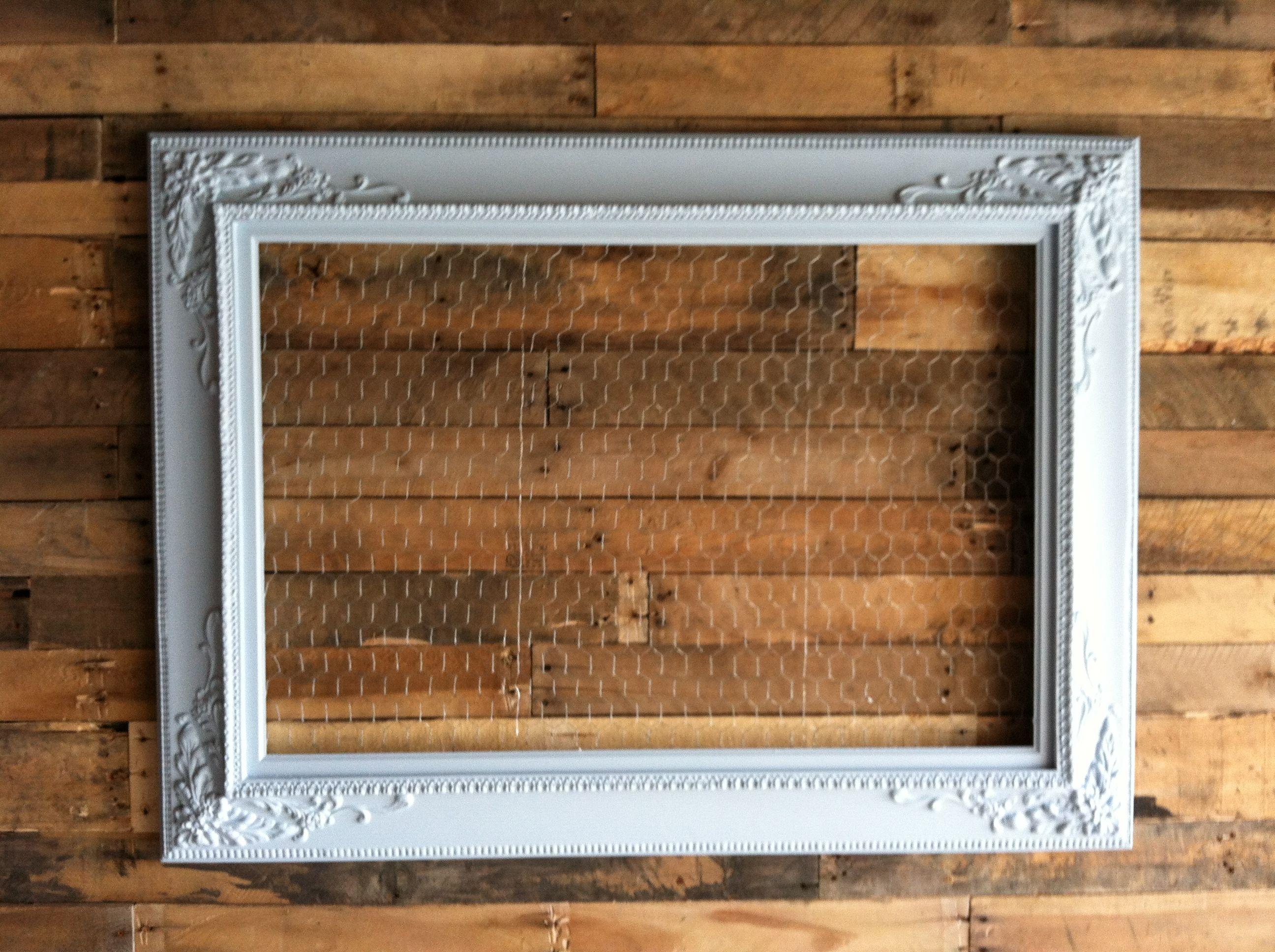 My chicken wire \'bulletin board\' that I made. Will use clothespins ...