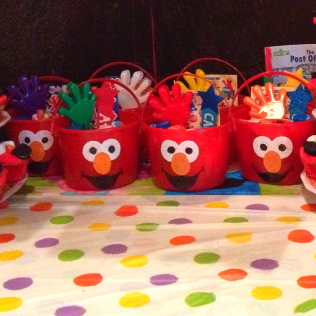 Homemade elmo favor pails for my sons birthday birthdays birthday party ideas homemade elmo solutioingenieria Image collections