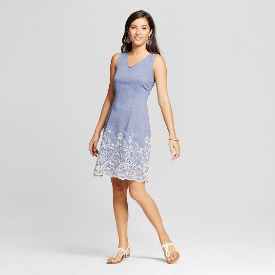 Wie kombiniere ich ein blaues Kleid mit Schuhen | Blaues kleid, Blau ...