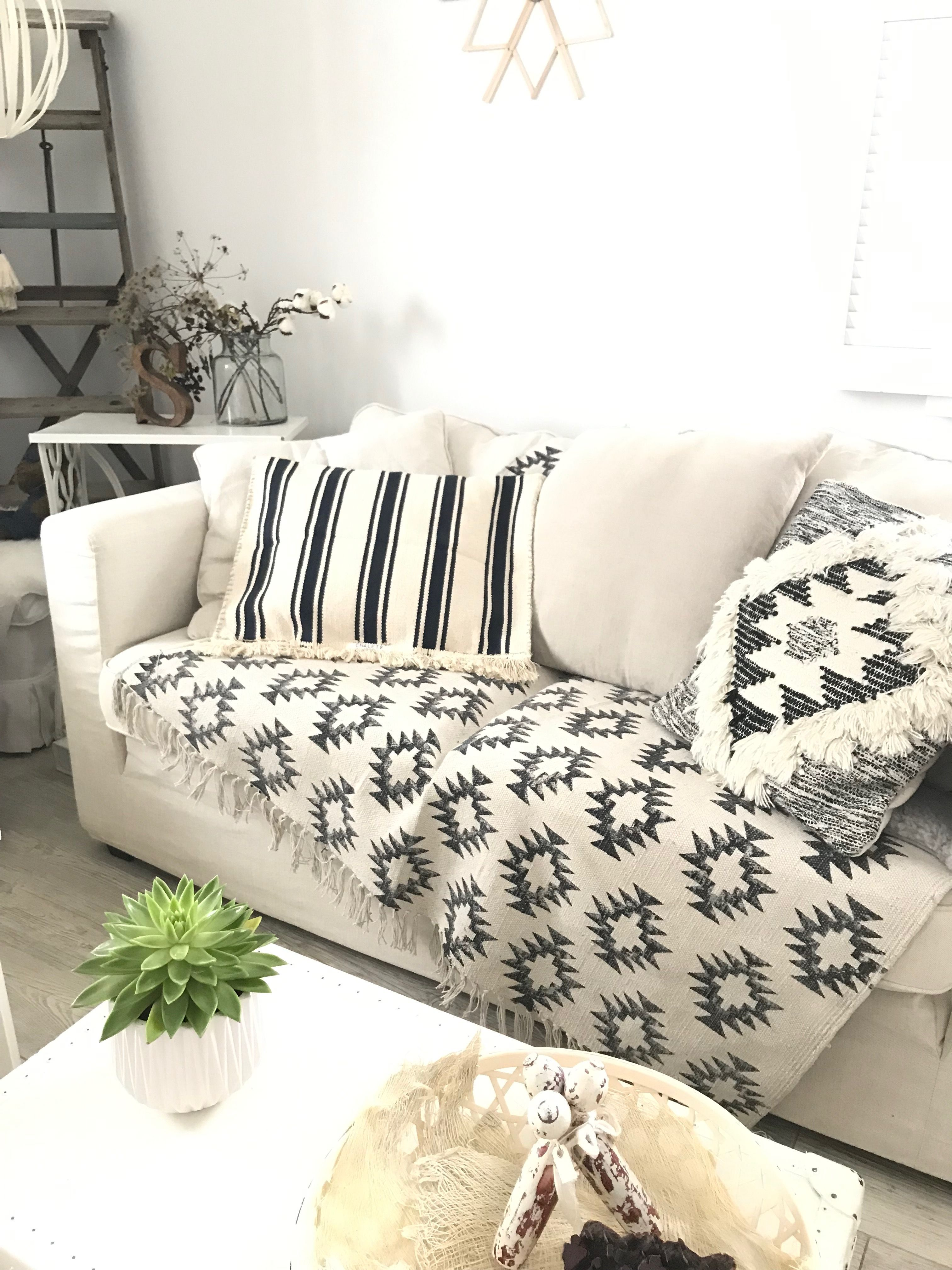 Ikea Hack Kissen Aus Teppich Diy Pillows Pillows Home Decor