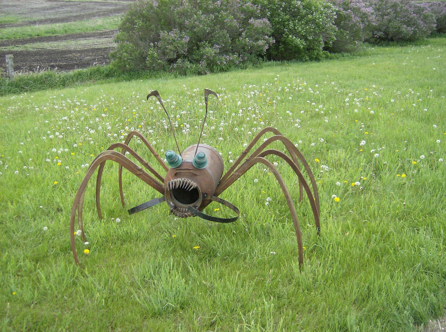 Spider yard art upcycled farm art via etsy for Wire yard art