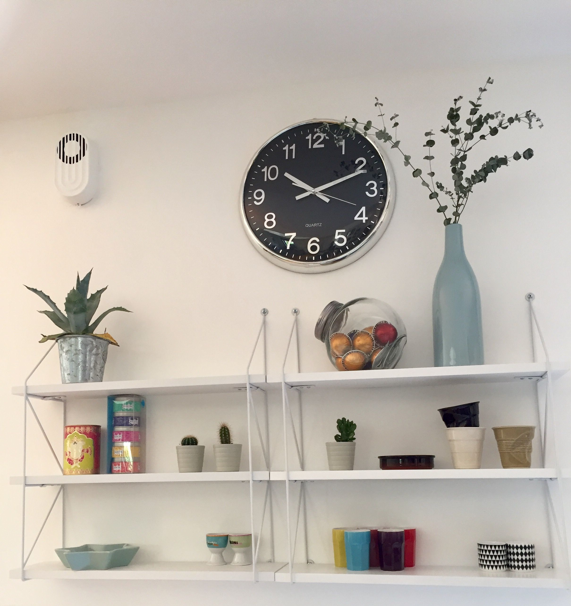 etagere cuisine murale fashion designs. Black Bedroom Furniture Sets. Home Design Ideas