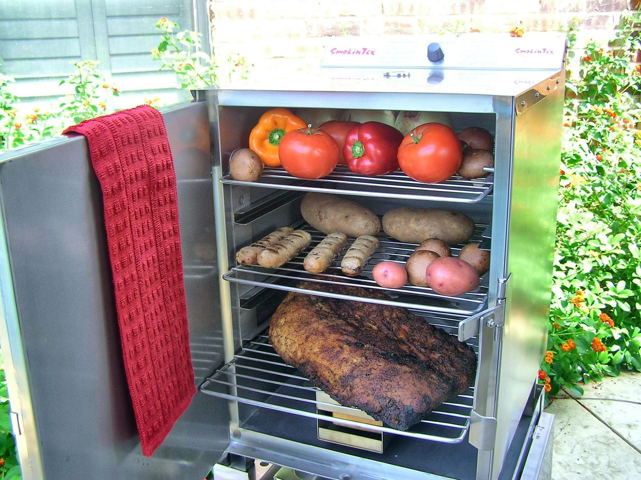 Attractive SmokinTex #BBQSmokers Are Hard Workers In The Coldest Of Climates! Smoke  On! They