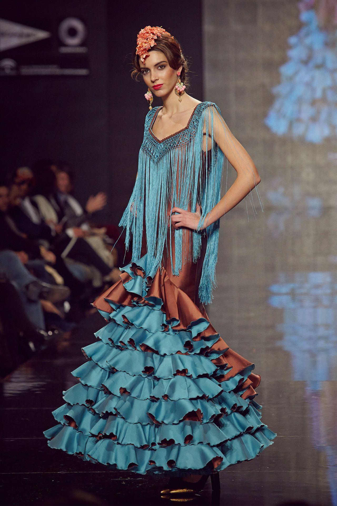 trajedegitana en seda marrón y turquesa. Sin mangas y #flecos ...