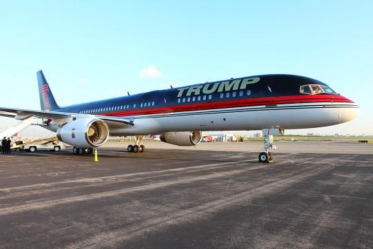 Presidential Jet Smackdown Is Trump S Private Plane Better Than
