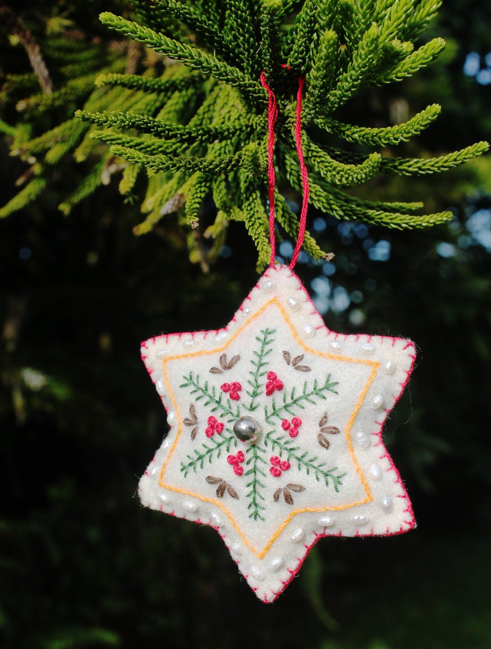 Embroidered Felt Christmas Or Yule Ornament With Genuine Freshwater Pearls Felt Christmas Ornaments Felt Christmas Diy Felt Christmas Ornaments