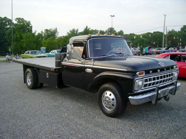 Dad Sold The Old 38 Packard And Bought His First Truck It Was A New 1962 3 4 Ton Flat Bed Ford I Classic Ford Trucks Ford Pickup Trucks Vintage Pickup Trucks