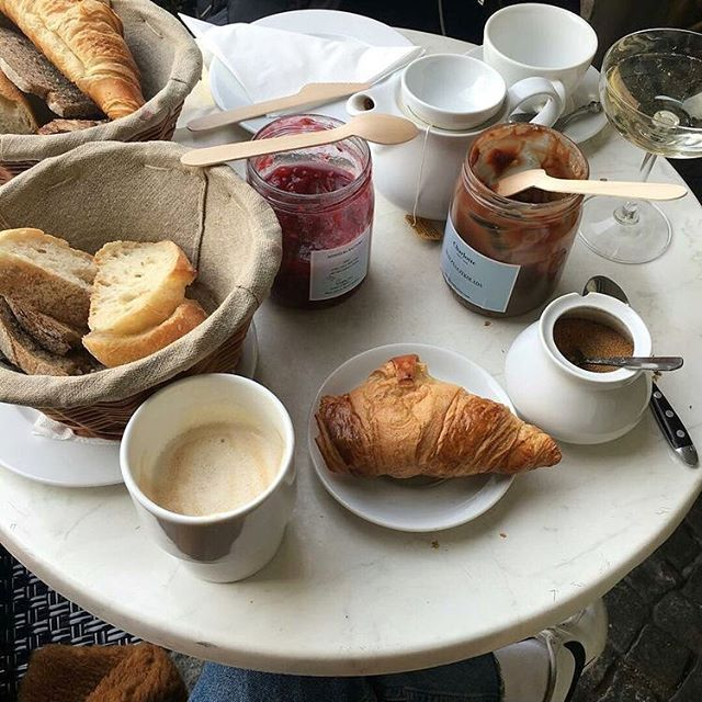 Bonjour 🇫🇷🥐☕️ #아침식사 #크루아상 #파리 #커피