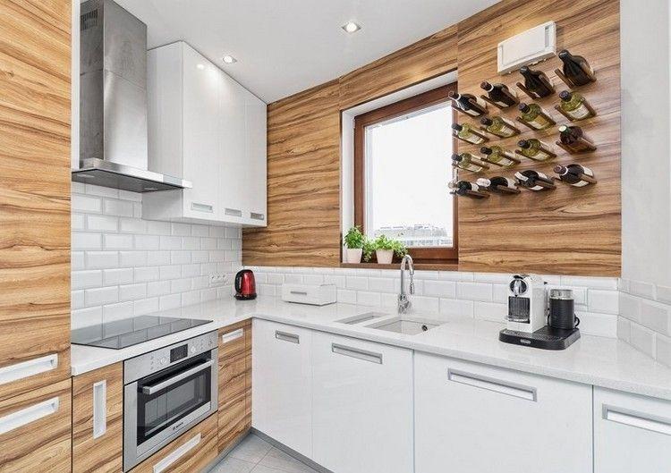 weiße Arbeitsplatte, Wandfliesen und Walnuss Holzdekor Küche - wandfliesen für küche