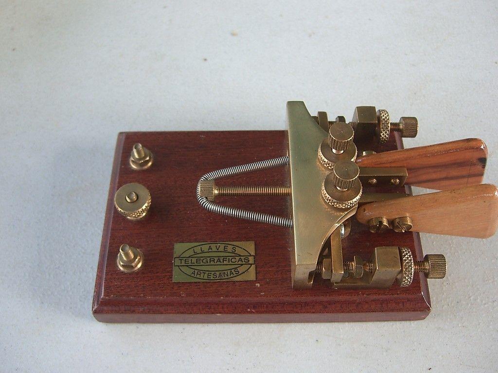 LLaves Iambic Paddle (1024×768) | Telegraph Keys & Paddles - Morse